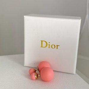 Mise En Dior Tribale Earrings (Coral Pink)